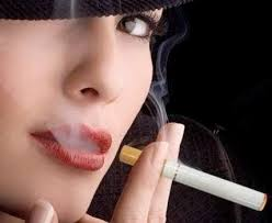 how to avoid cigarette smell on hands